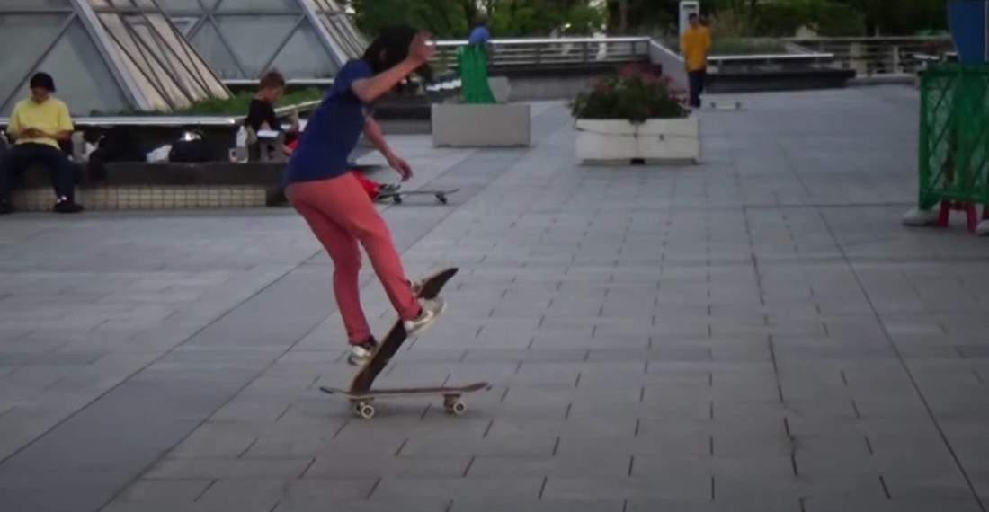 Japanese Freestyle Skateboarder's Impressive 2-Minute Double Board Routine