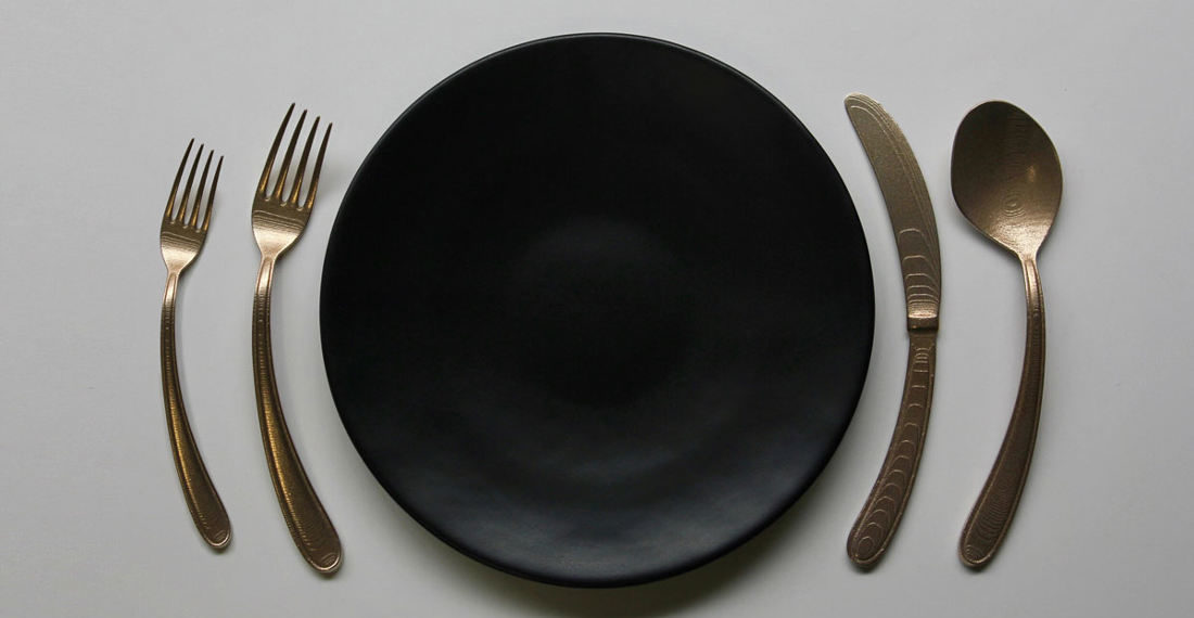 "Curved Flatware To Exist ""In Harmony With Your Circular Plate"""