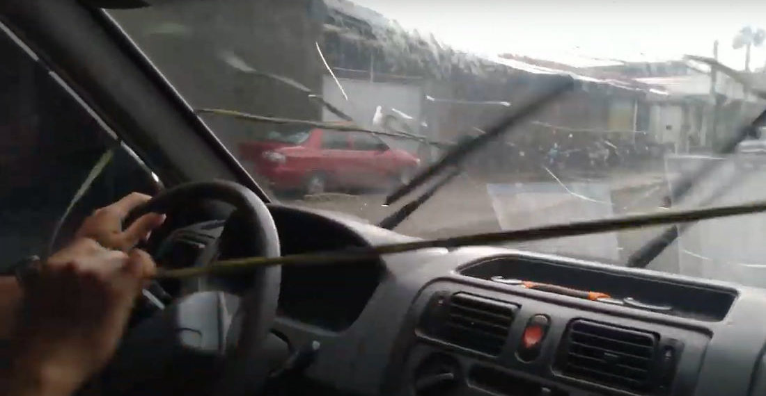 Ingenuity: Driver Creates Manual Windshield Wiper System