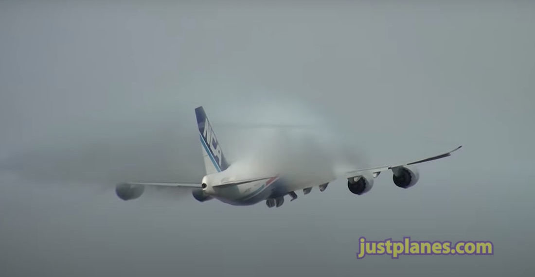 Whoa: Plane Taking Off And Producing Crazy Condensation