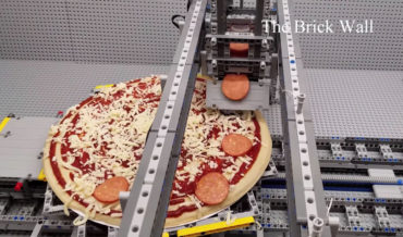 Guy Builds LEGO Assembly Line That Adds All The Ingredients To A Pizza