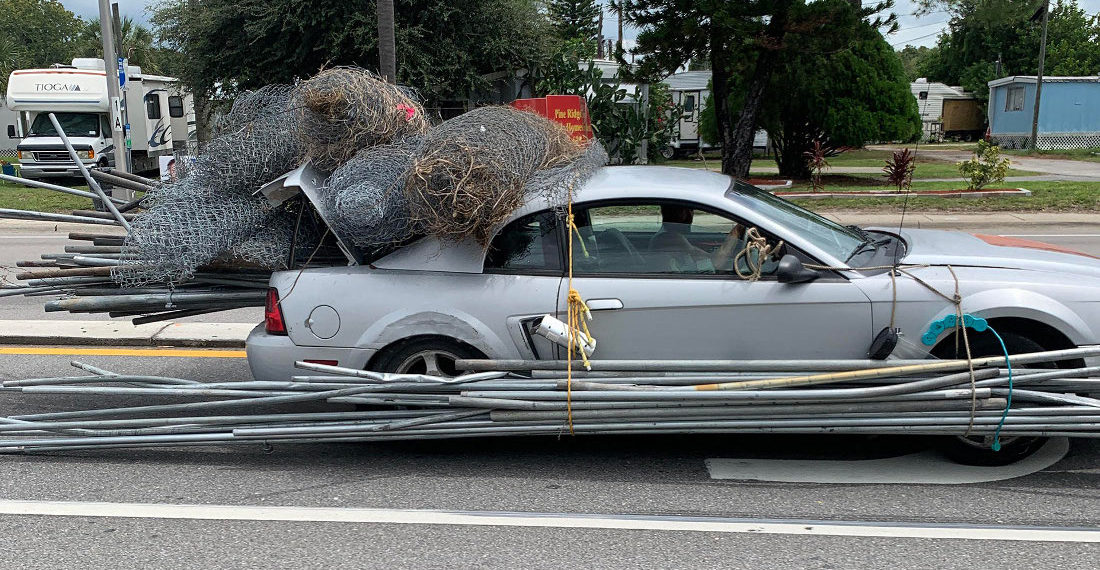 Florida Man Uses Ford Mustang As Pickup Truck To Haul Fencing, Pipes