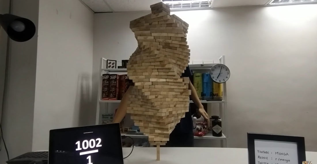 Video Of New World Record 1,002 Jenga Blocks Stacked On A Single Vertical Piece