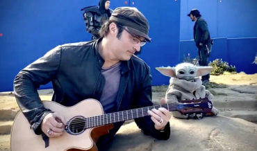 Baby Yoda Dances As Mandalorian Director Robert Rodriguez Plays Guitar On Set