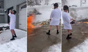 Nice: Guy Dressed As Cousin Eddie Cleaning Snowy Driveway With Flamethrower
