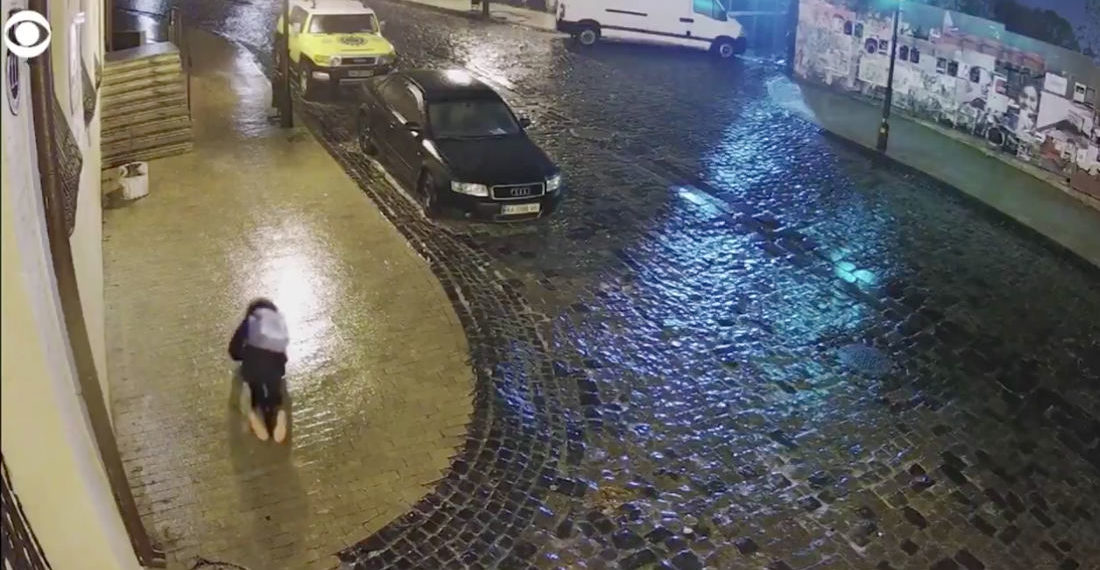 Cue The Benny Hill Music: Woman Repeatedly Fails To Navigate Icy Sidewalk