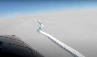 Flyover Of Massive Antarctic Ice Crack That Formed 490-Square Mile Iceberg