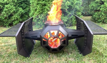 The Galaxy Grill, A Portable Grill Inspired By Darth Vader's TIE Fighter