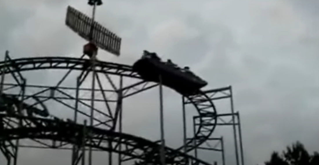 People Stuck On Roller Coaster Bob Heads In Unison To Get It Moving (With 'What Is Love' Added For Effect)