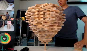 1-Minute Timelapse Of Man Stacking 1,512 Jenga Blocks On Single Vertical Piece