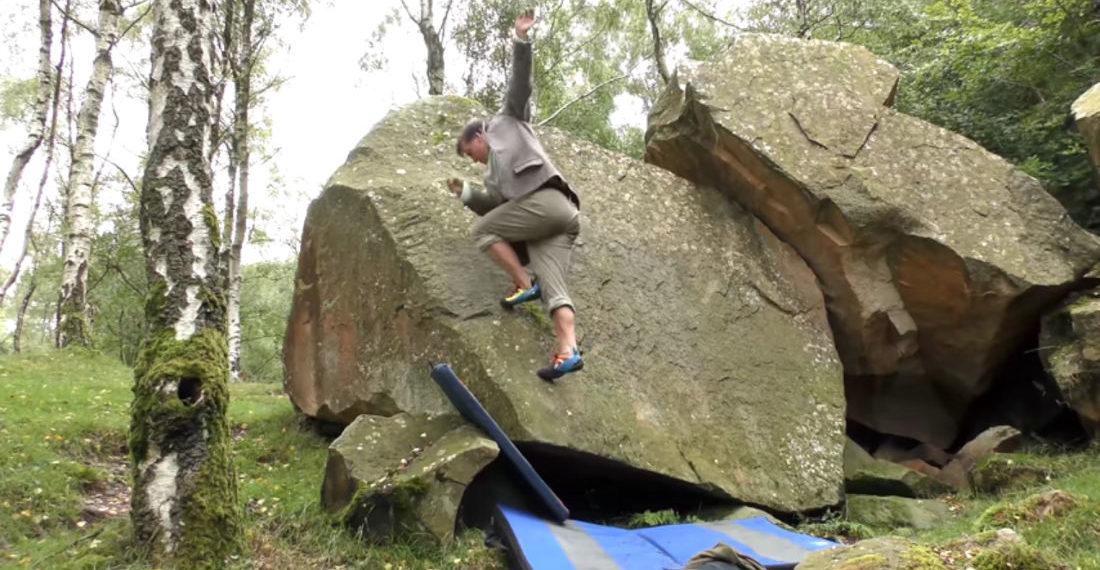 Rock Climber Demonstrates His No-Hands Climbing Technique
