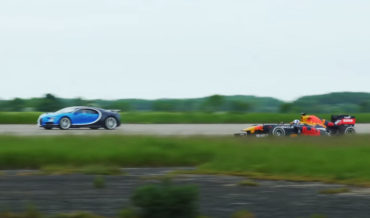 Bugatti Chiron Versus Formula 1 Car In Drag Race