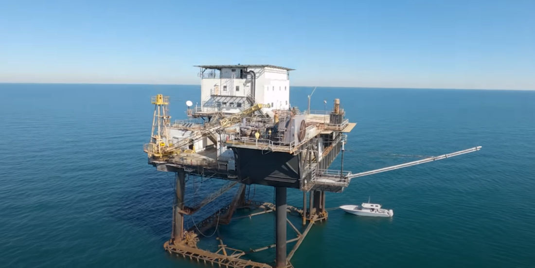Freestyle Drone Fly-Through Of Abandoned Ocean Oil Platform