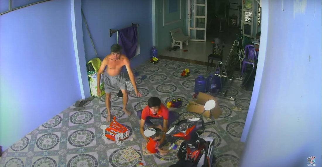 Home Security Cam Captures King Cobra Trying To Follow Child Into House