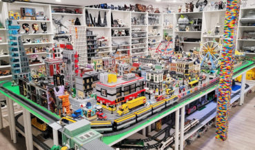 LEGO Maniac Gives Tour Of His Very Respectable LEGO Room