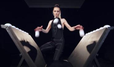 Bounce Juggler Demonstrates Her Very Impressive Skills