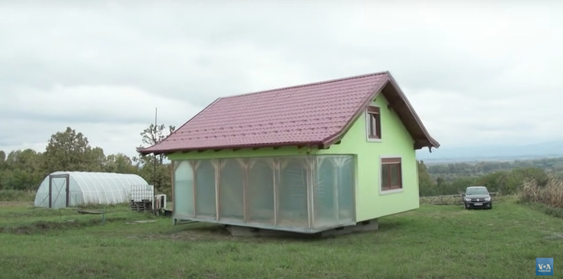 House That Rotates Once Every 24-Hours So Wife Can Enjoy Different Views